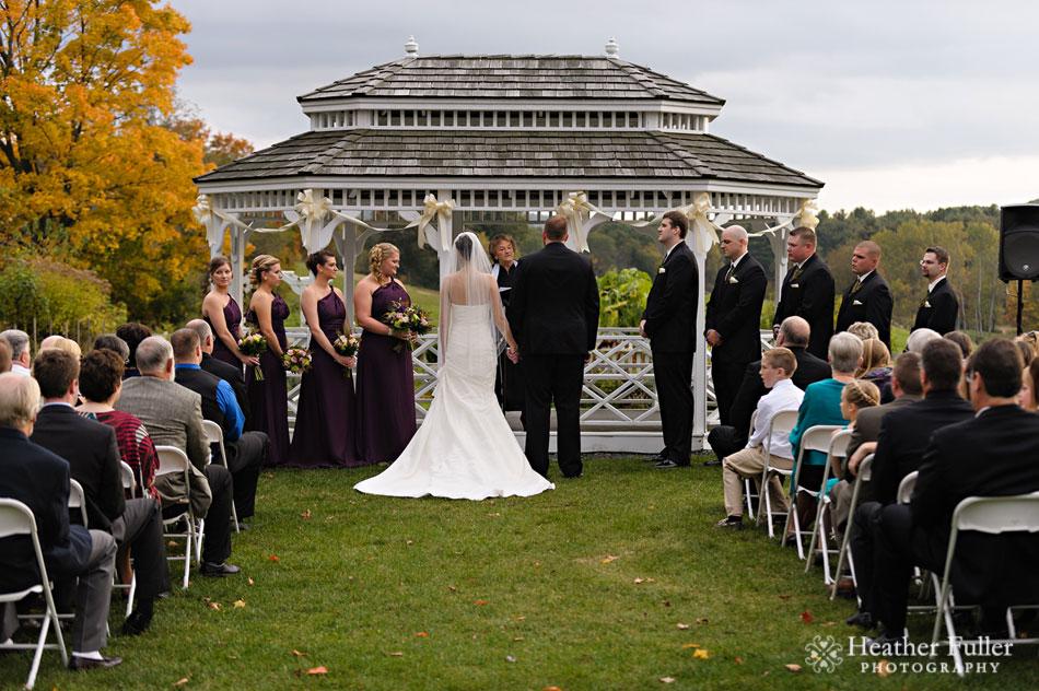 Salem-cross_inn_brookfield_ma_outdoor_wedding_ceremony